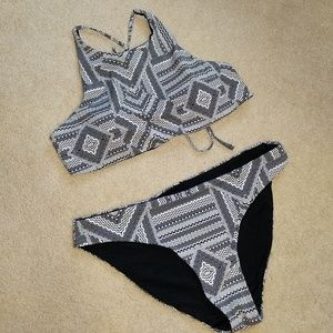 tini bikini